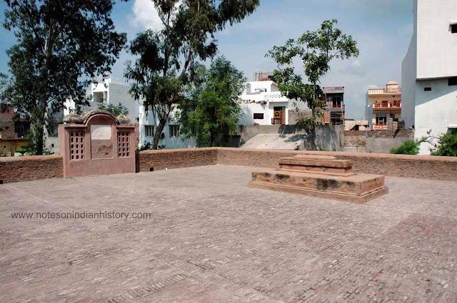 Tomb-of-Sultan-Ibrahim-Lodi-at-Panipat