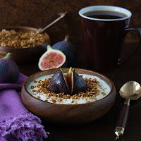http://siasoulfood.blogspot.de/2015/09/quinoa-knuspermusli-mit-gerosteten.html