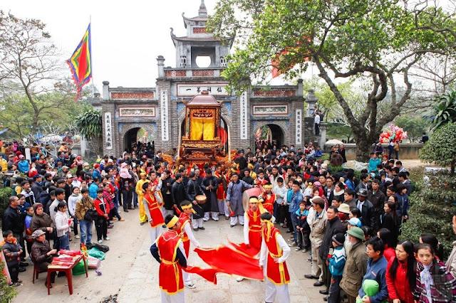 Spring in Vietnam is the season of festivals 4