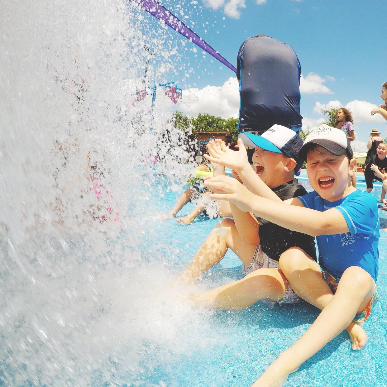 honey and fizz: Summer Holidays - Gold Coast + Byron Bay