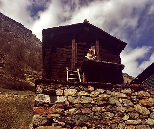Alpenhütte auf Wanderweg