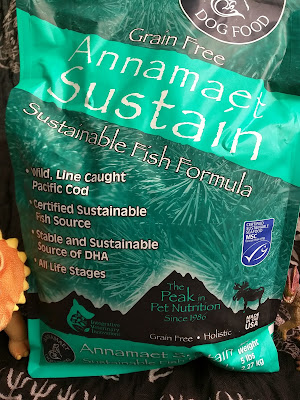 Dog kibble made from sustainabley-caught fish