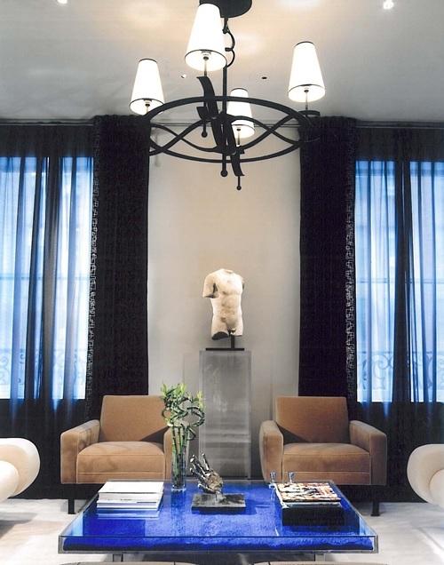 Fiorito interior design the yves klein table bleue for Table yves klein