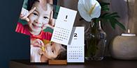 1年分12枚の写真で作るスタンド付き TOLOT卓上カレンダー