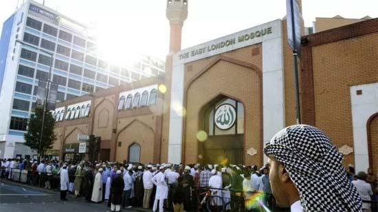 Inggris Kian Islami, Masjid Penuh Sesak