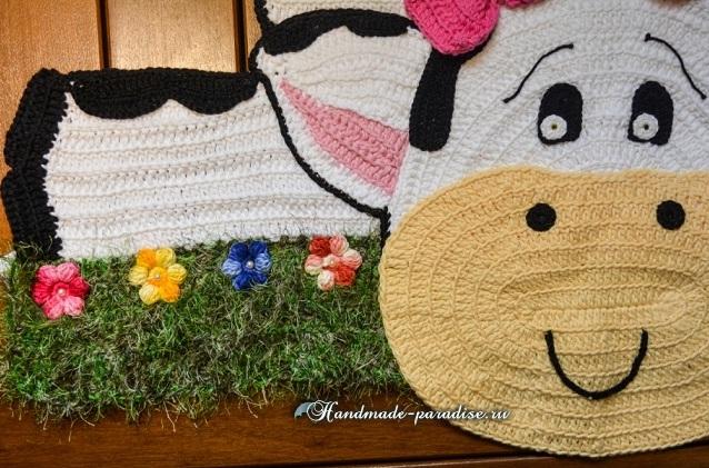 «Буренка на травке» - детский коврик крючком