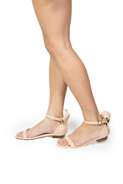 Nude flats with origami bow at the back