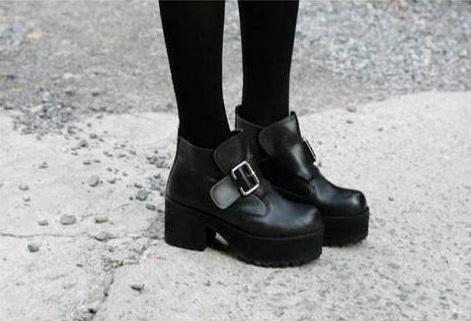 Black Chunky Buckle Boots