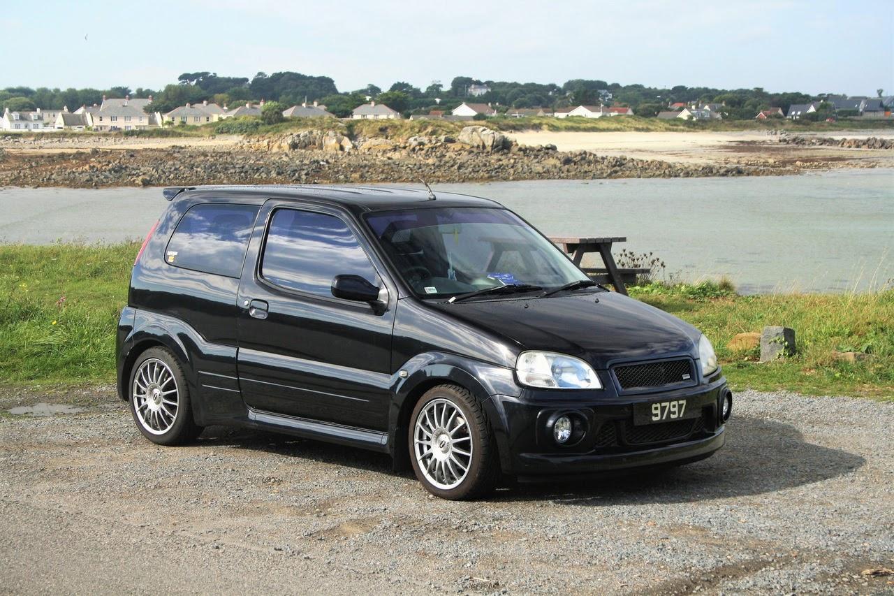Suzuki Ignis Sport, czarny, M15A, usportowiony samochód