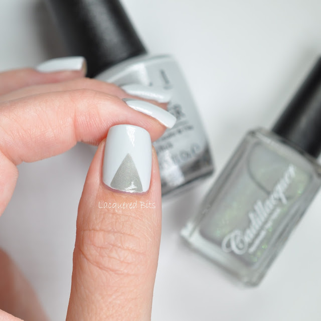 Grey Triangles On My Nails