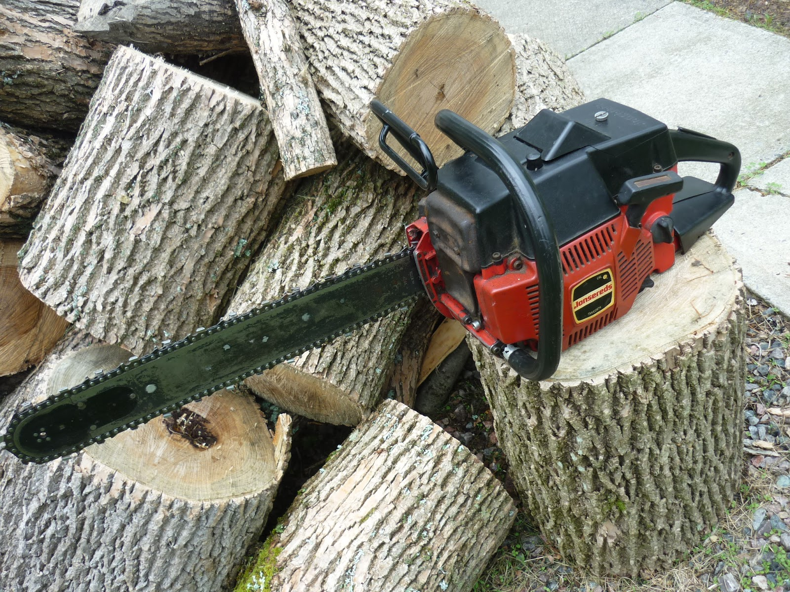 VINTAGE CHAINSAW COLLECTION: JONSERED 910 E