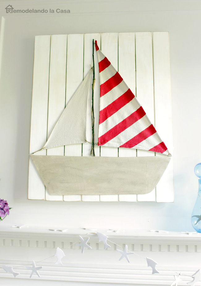 mantel for summer with boat