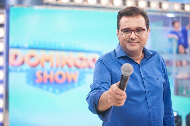 Domingo Show domingo (23/07/2017): histórias emocionantes do deputado Tiririca