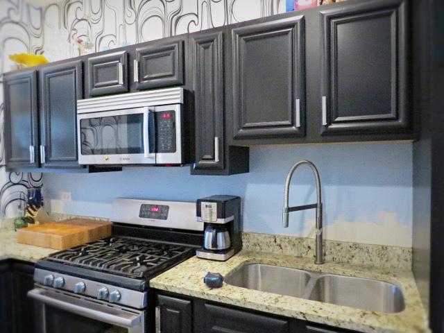 kitchen backsplash before