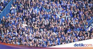 Sambut Ridwan Kamil, Teriakan 'Prabowo' Menggema di Stadion Si Jalak Harupat