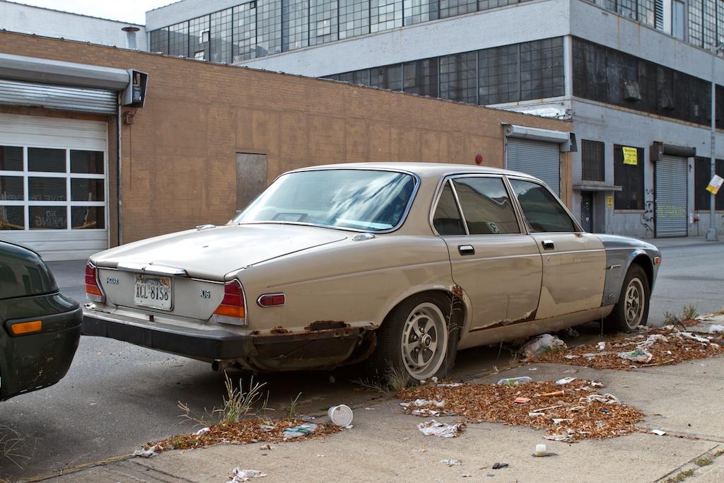 THE STREET PEEP: 1979 Jaguar XJ6