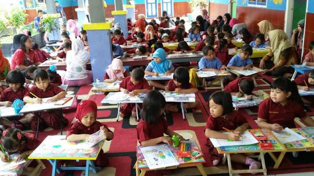 Komunitas Patahuddin-Tim Muda NH Gagas Lomba Mewarnai