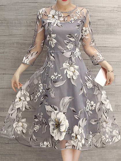 https://www.selaros.com/item/crew-neck-see-through-floral-printed-skater-dresses-3337.html