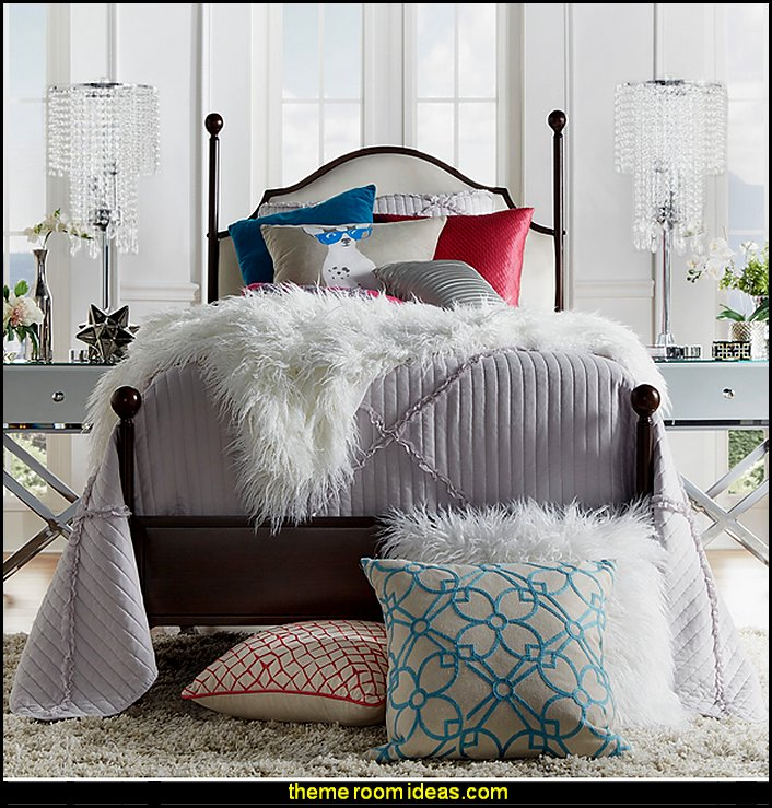 Decorating theme bedrooms maries manor faux fur home M s home decorations