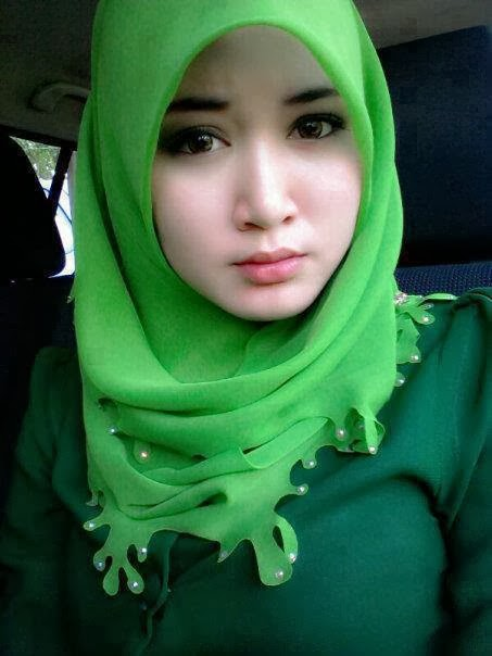 Indonesia cewek jilbab tudung mesum di kamar - 1 1