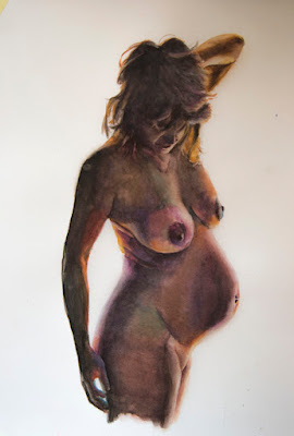 Retrato en acuarela de mujer desnuda embarazada