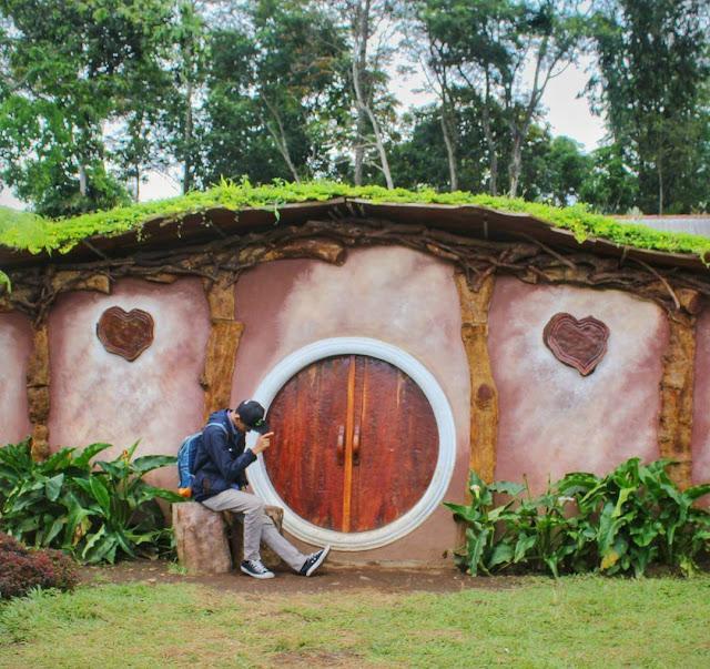 rumah hobbit gedong songo semarang