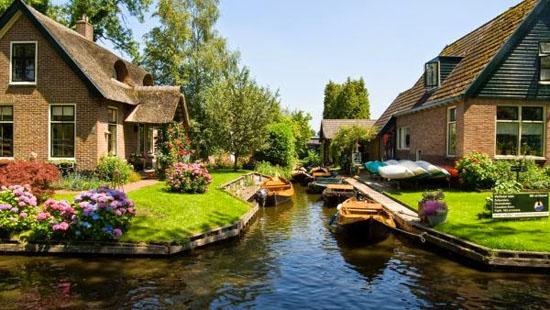 Desa Unik dan Terbersih di Dunia