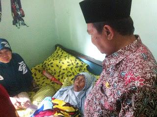 Walikota Tengok Bu Fadilah, CJH Gagal Berangkat