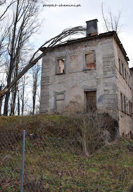Ruina pałacu w Skale niedaleko Lwówka Śląskiego