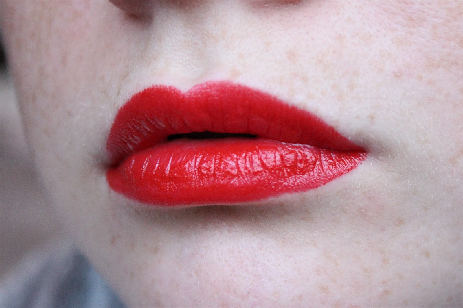 burberry kisses military red review