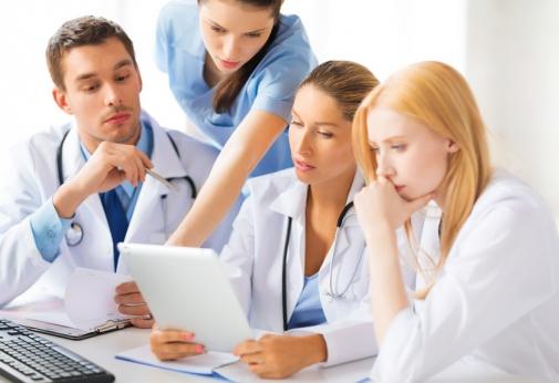 تنظم وزارة الصحة يوم 12 فبراير 2017 على الساعة الثامنة والنصف صباحامباراة توظيف ممرضين مجازين من الدولة من الدرجة الثانية.