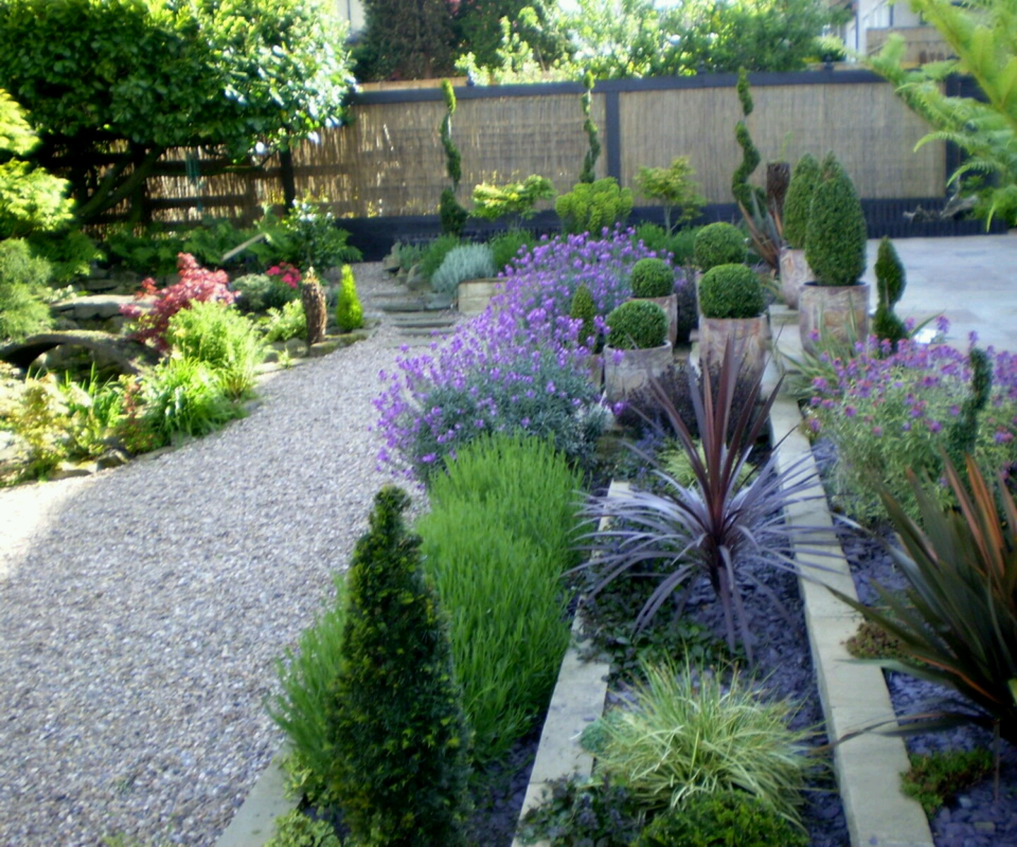 Modern Garden Design Ideas: Modern Beautiful Home Gardens Designs Ideas.
