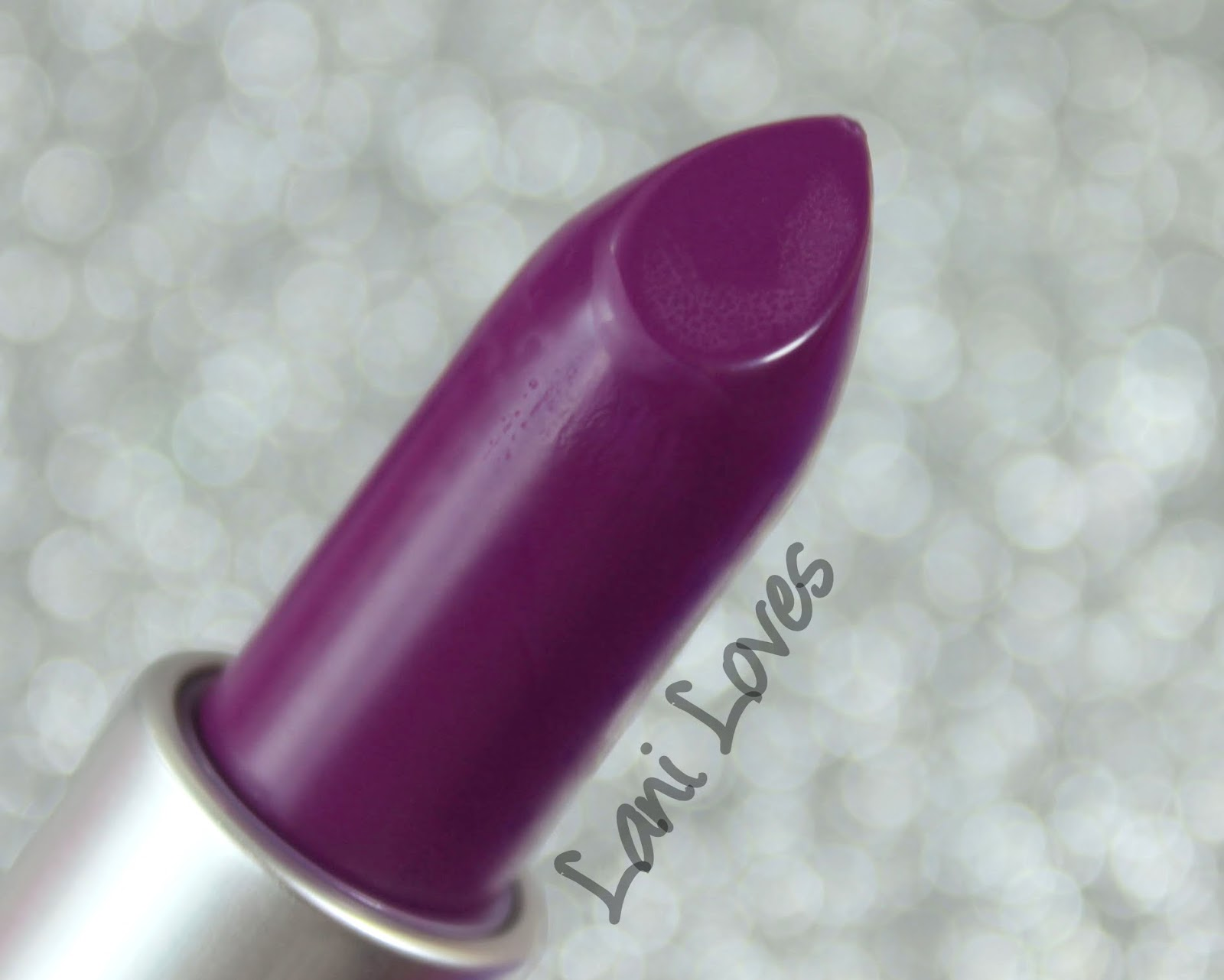 MAC Heroine Lipstick Swatches & Review