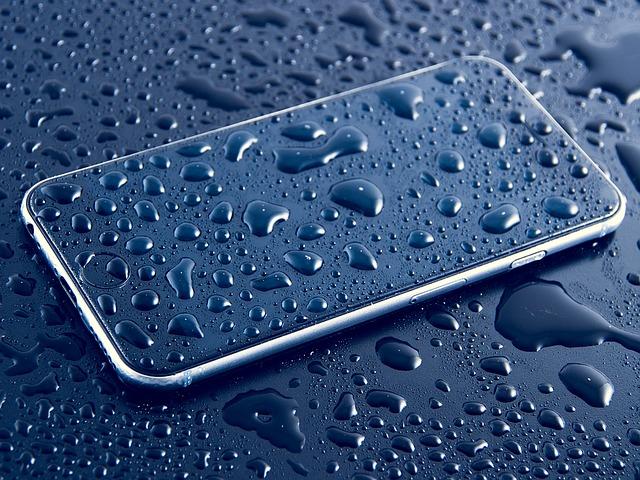 ماذا تفعل اذا سقط هاتفك في الماء؟