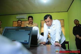 Bupati Dharmasraya Tinjau Pelaksanaan UNBK Tingkat SMP Di Kabupaten Dharmasraya