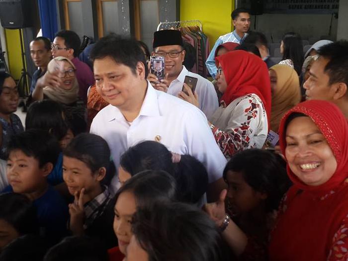 Kunjungan Menteri Perindustrian ke Sentra Rajut Binong Jati