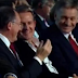 Пока одни воюют, другие… Кум Путина Медведчук посетил выступление президента РФ и весело провел время с Песковым (ВИДЕО)