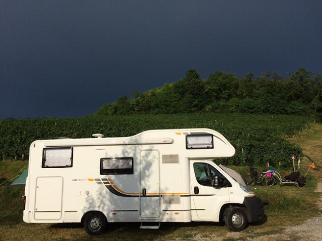 camping en bodega Saksida. Eslovenia www.caravaneros.com