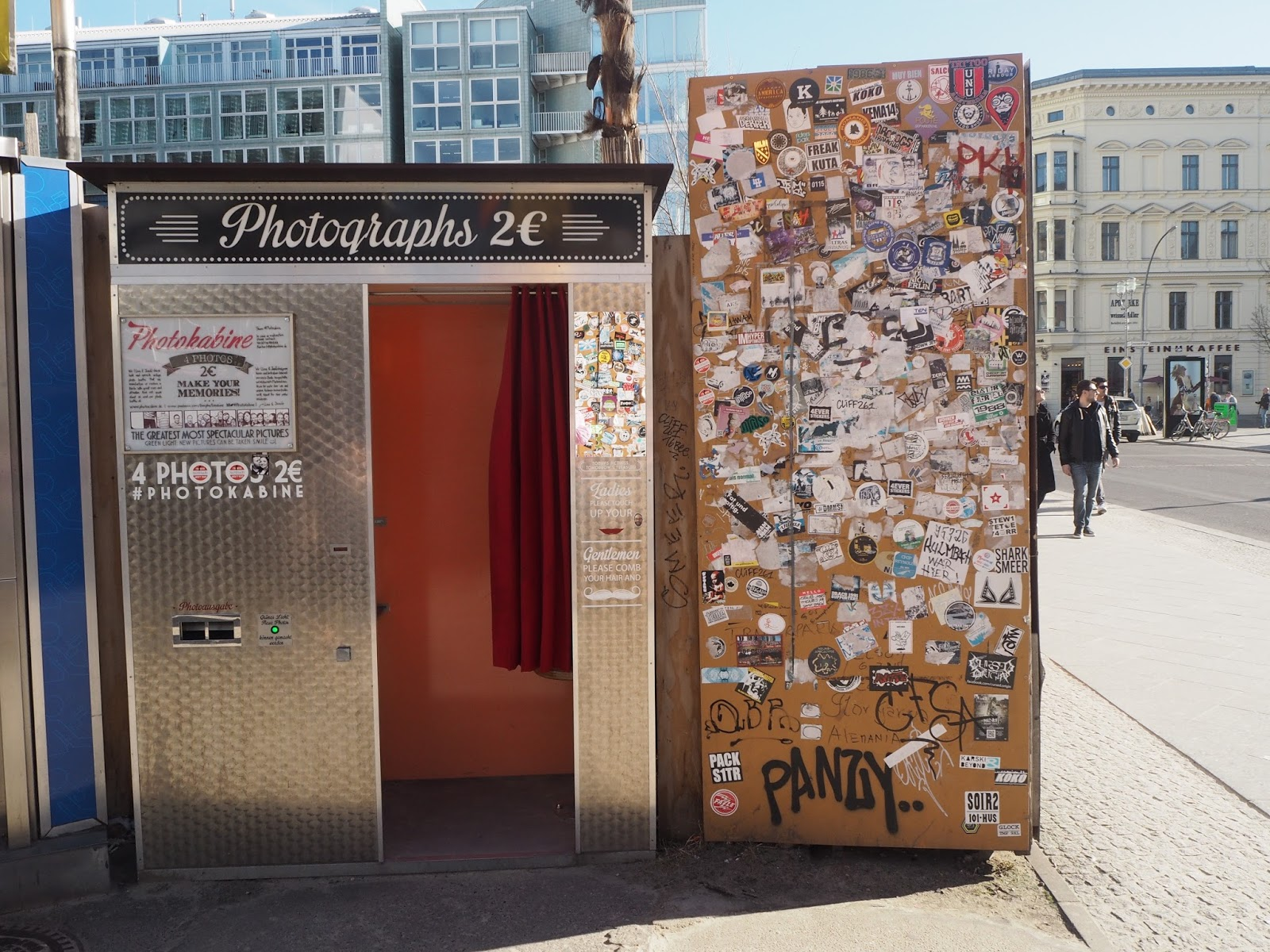 Vintage photobooth in Berlin