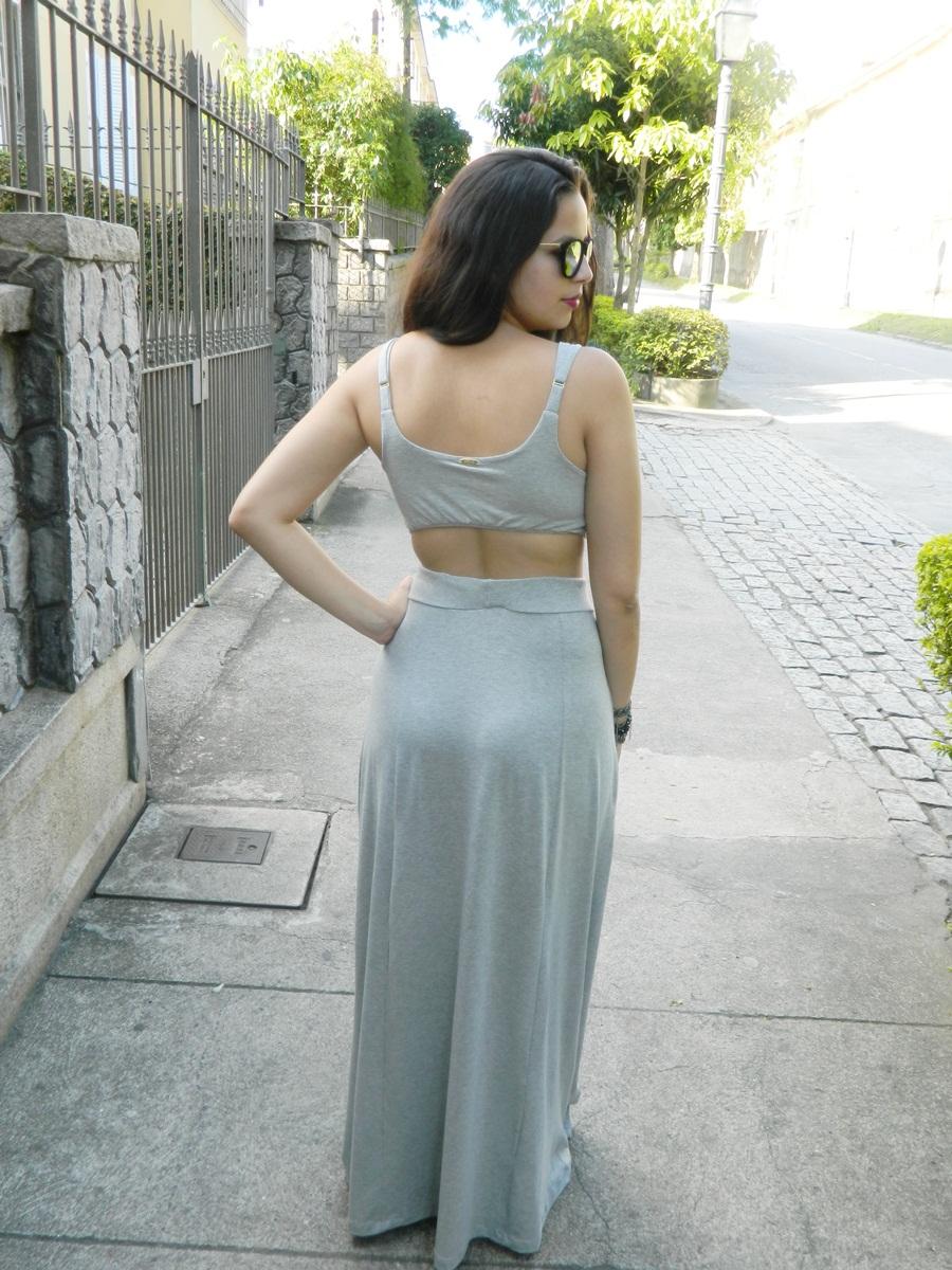 Vestido Longo cinza com fendas e abertura