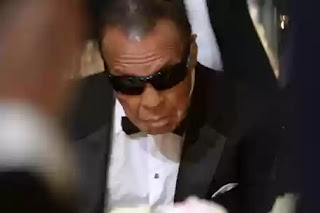 Muhammad Ali on life support
