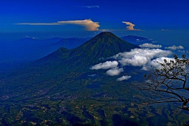 Porter Gunung Sumbing Via Adipuro Kaliangkrik ( Jalur Tercepat, Termudah Pendakian Gunung Sumbing )
