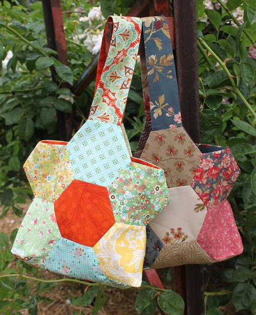 Hexagon Flower Quilt Bag Free Tutorial