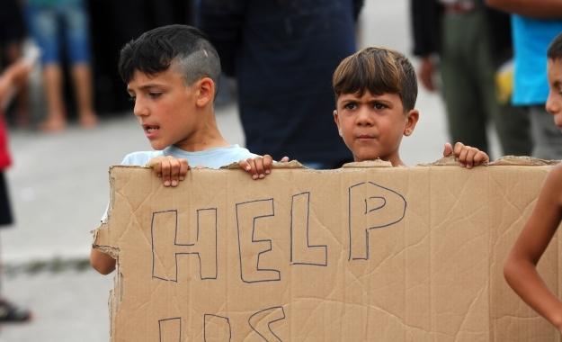 Το προσφυγικό στην κόψη του ξυραφιού. Απομονωμένη η χώρα