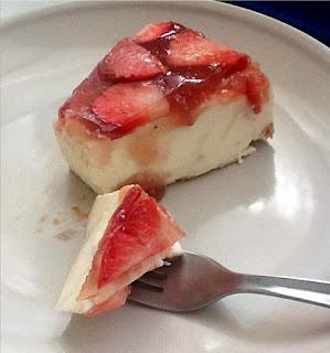 Tarta de cuajada con fresas - Postres con fresas naturales ...