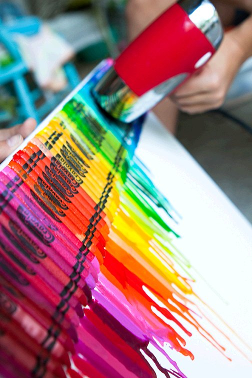 Dishfunctional designs cool things you can make with for Crayon diy canvas