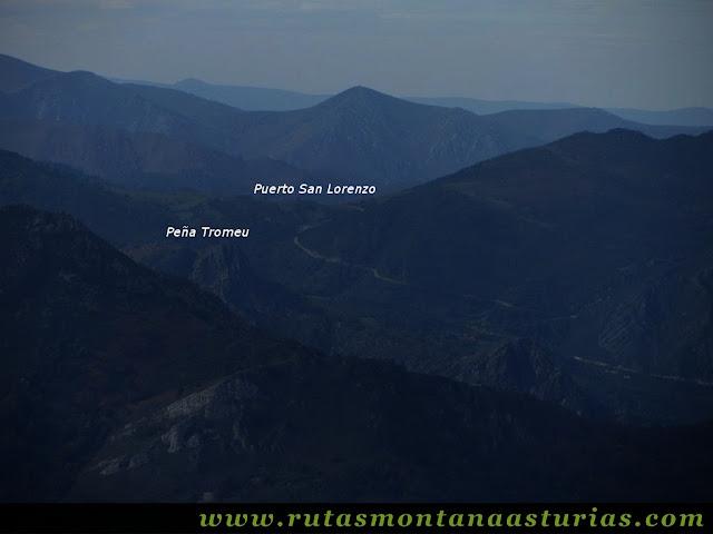 Circular Coañana Saleras: Vista de Peña Tromeu y Puerto San Lorenzo