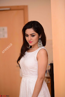Ragini in Beautiful Cream Sleevelss Gown Perfect makeup ~  Exclusive 009.jpg