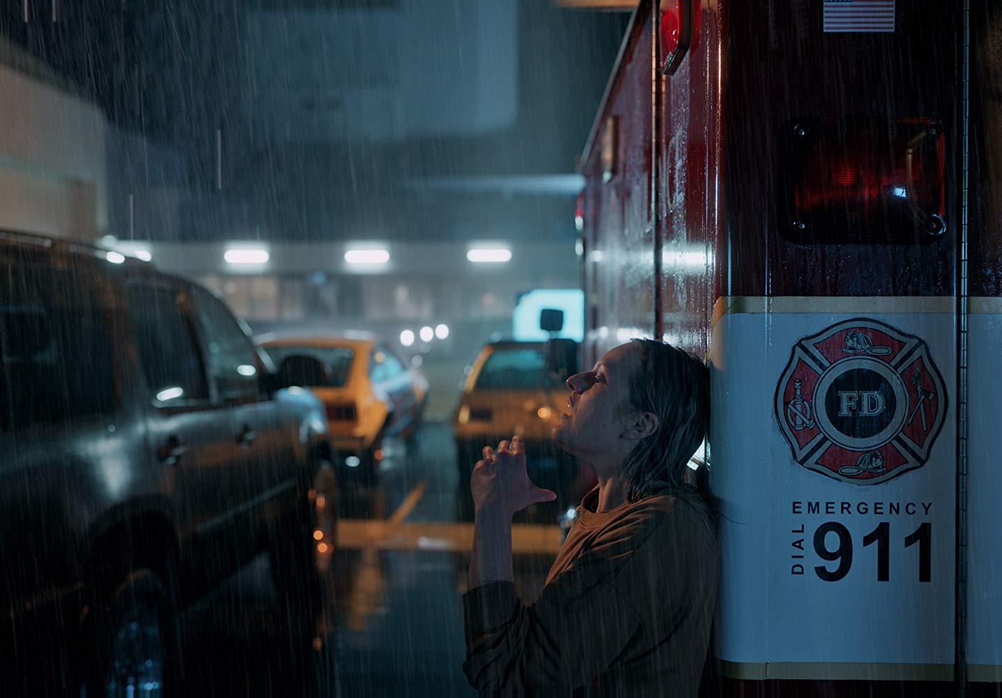 Reboot de 'O Homem Invisível' ganha poster com Elisabeth Moss
