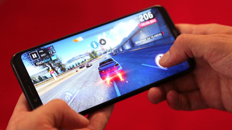 سامسونج تخطط لإطلاق هاتف ذكي مخصص للألعاب الشهر المقبل